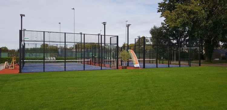 Padelbanen van Domo Sports Grass, aangelegd door Padel Totaal in Meppel. Foto: Bram Reinds