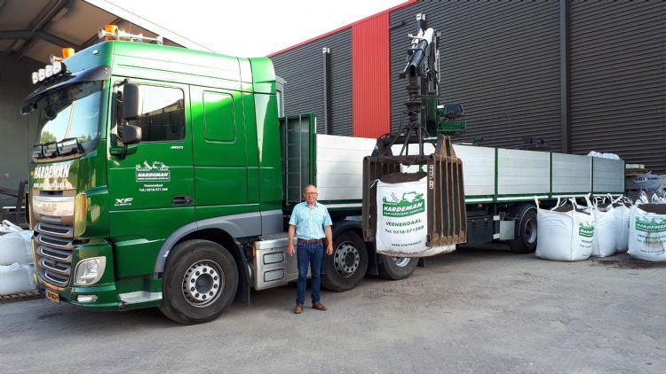 Gijs Hardeman met vrachtwagen