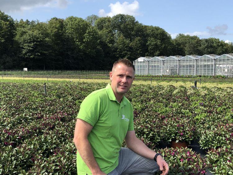 Dirk van Diepen, eigenaar van FlevoFlora, richt zich allereerst op de teelt van een gezond en vitaal gewas.