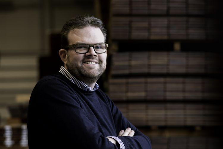 Directeur-eigenaar van Van Dorp Hout Henk Arie Schra