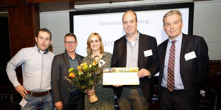 V.l.n.r.: Jeroen Brandenburg, Wim van den Boomen, Eveline van Peer-Broeks, Bart van Wijlen en Luc Gielen. Foto door Stigas