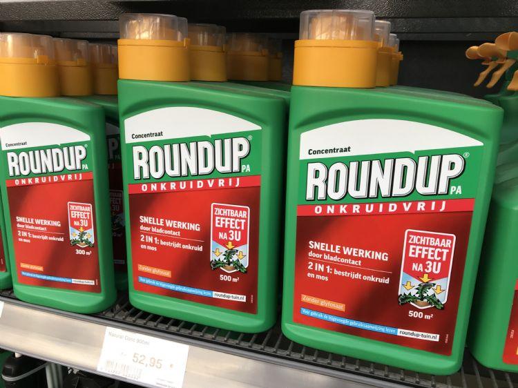 De verkoop van onkruidbestrijdingsmiddel Roundup is gedaald, onkruidbestrijdingsmiddelen op basis van vetzuren zijn populairder.