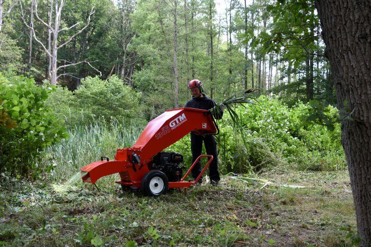 Steeds vaker geven hovenier houtsnippers terug aan de natuur.