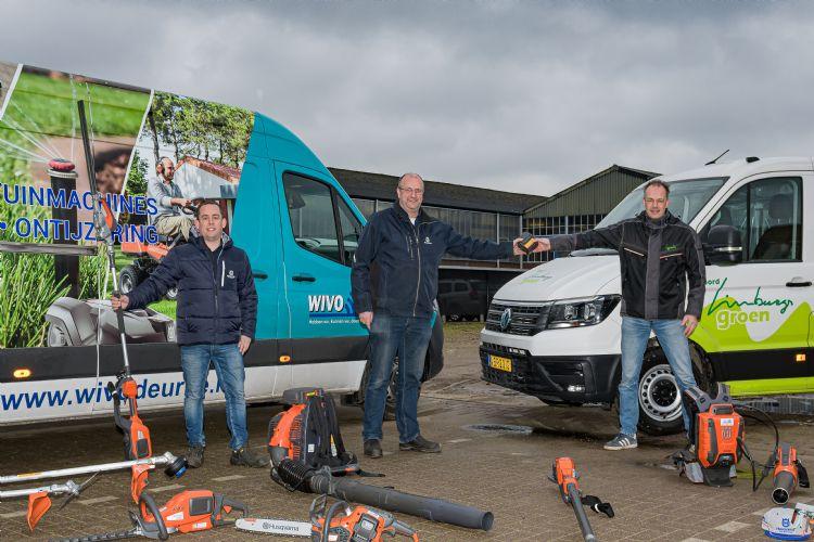 (vlnr) Freek Honings (Bedrijfsleider Wivo), Jan-willem de Wit (Algemeen directeur Wivo) en Marcel Bos (uitvoerder Noord Limburgs Groen) Foto Jos Klijn