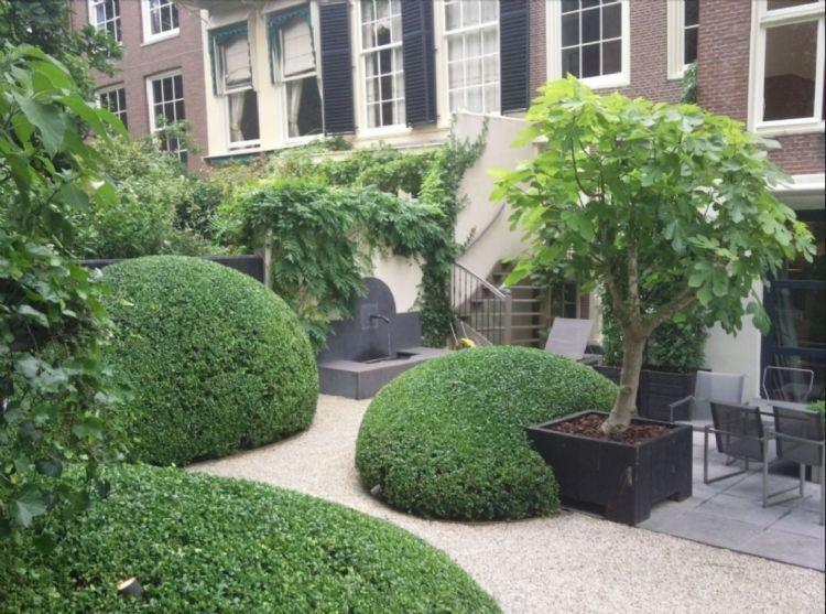 Een Meker tuin herken je aan organische vormen